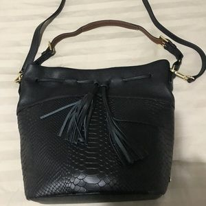 Shoulder / cross body bag